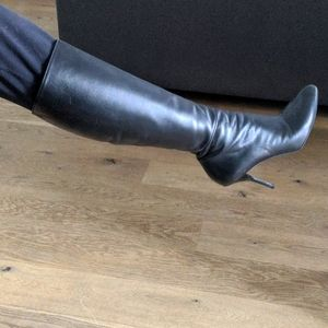 Authentic Gucci Zipper Knee length Boots